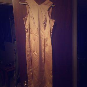 Size 6 vintage dress with broken zipper